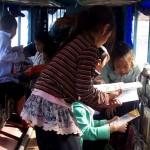 O Barco dos Livros leva sonhos e histórias a crianças no Laos