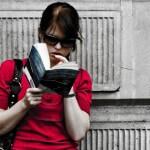 Afinal, qual é a melhor posição para ler?
