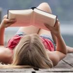 5 acessórios úteis para praticar uma leitura confortável